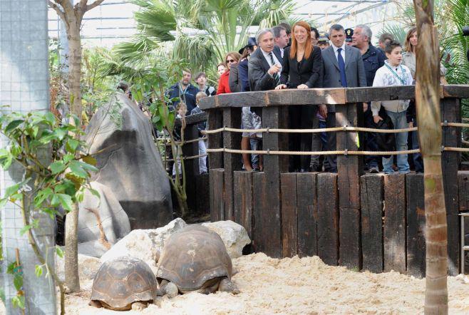 L'onorevole Brambilla, paladina degli animali, inaugura un reparto dello Zoo Le Cornelle (BG)